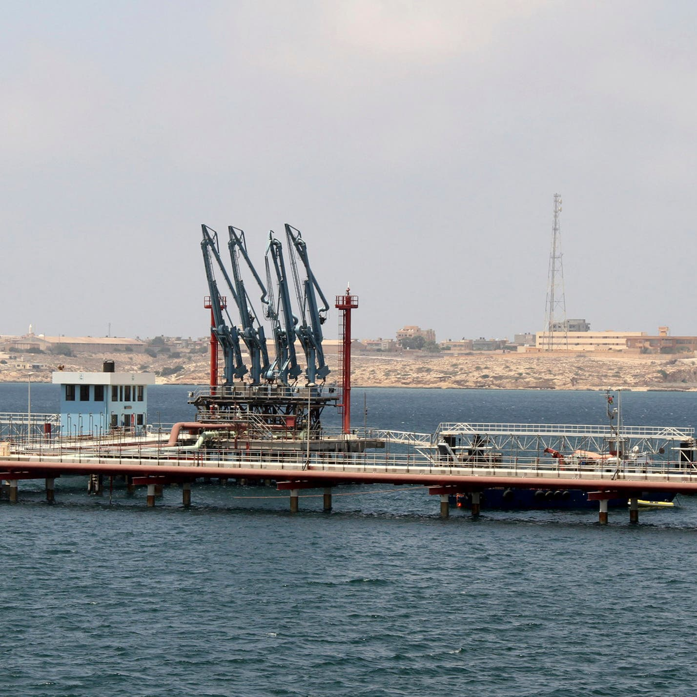 صراع بين مصرف ليبيا المركزي ومؤسسة النفط يوقف الإنتاج
