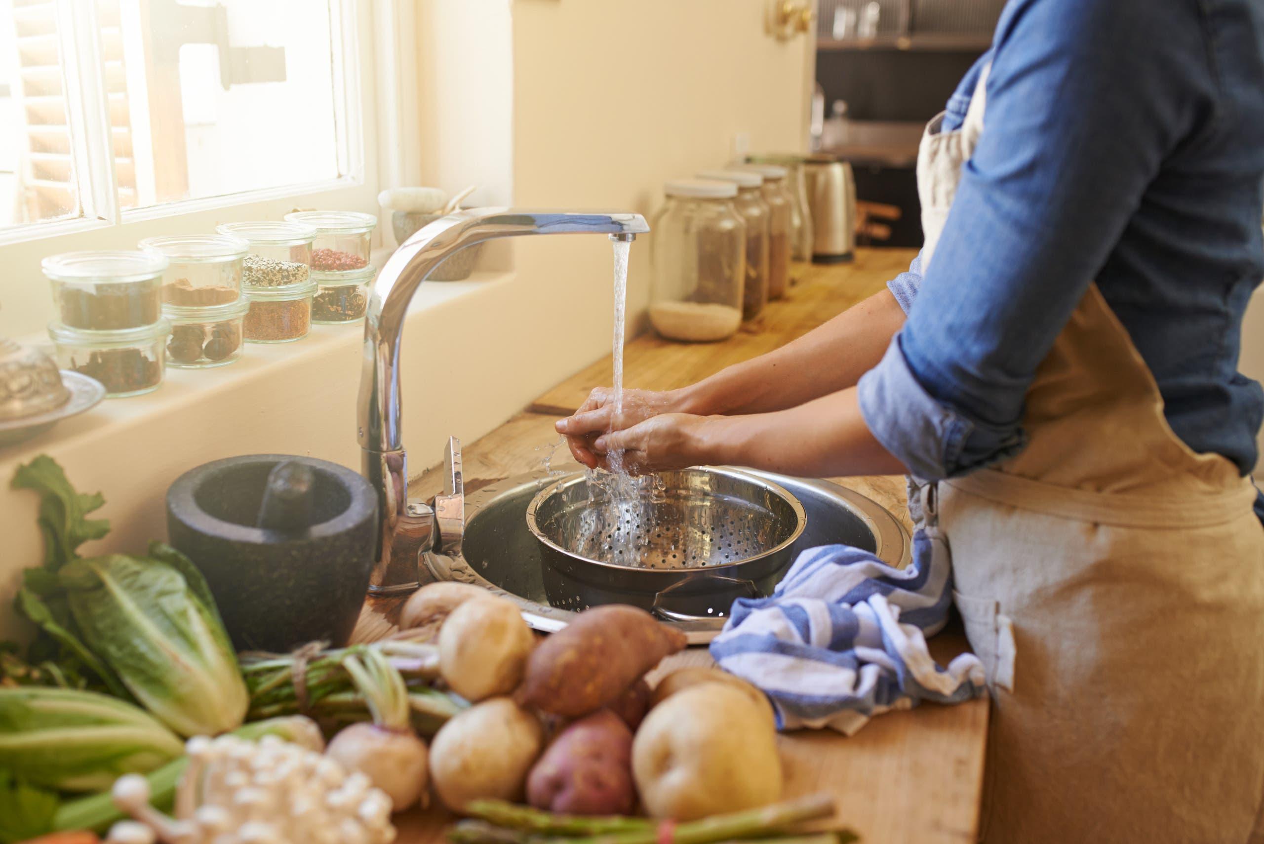 تعبيرية عن الأعمال المنزلية