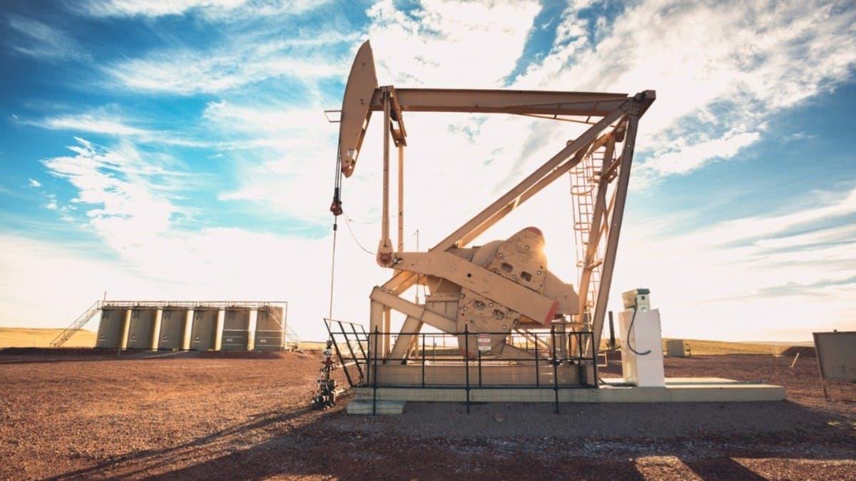 أسعار النفط تغلق مرتفعة.. وبرنت يضيف 1.2% عند 67.56 دولارا للبرميل