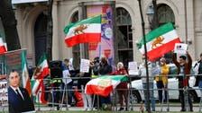 در پی شکایت عراقچی، پلیس وین برگزاری تجمعات معترضان عليه مذاكرات را ممنوع کرد