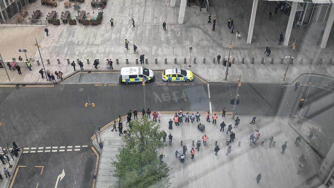 London Bridge station being evacuated. (Twitter)
