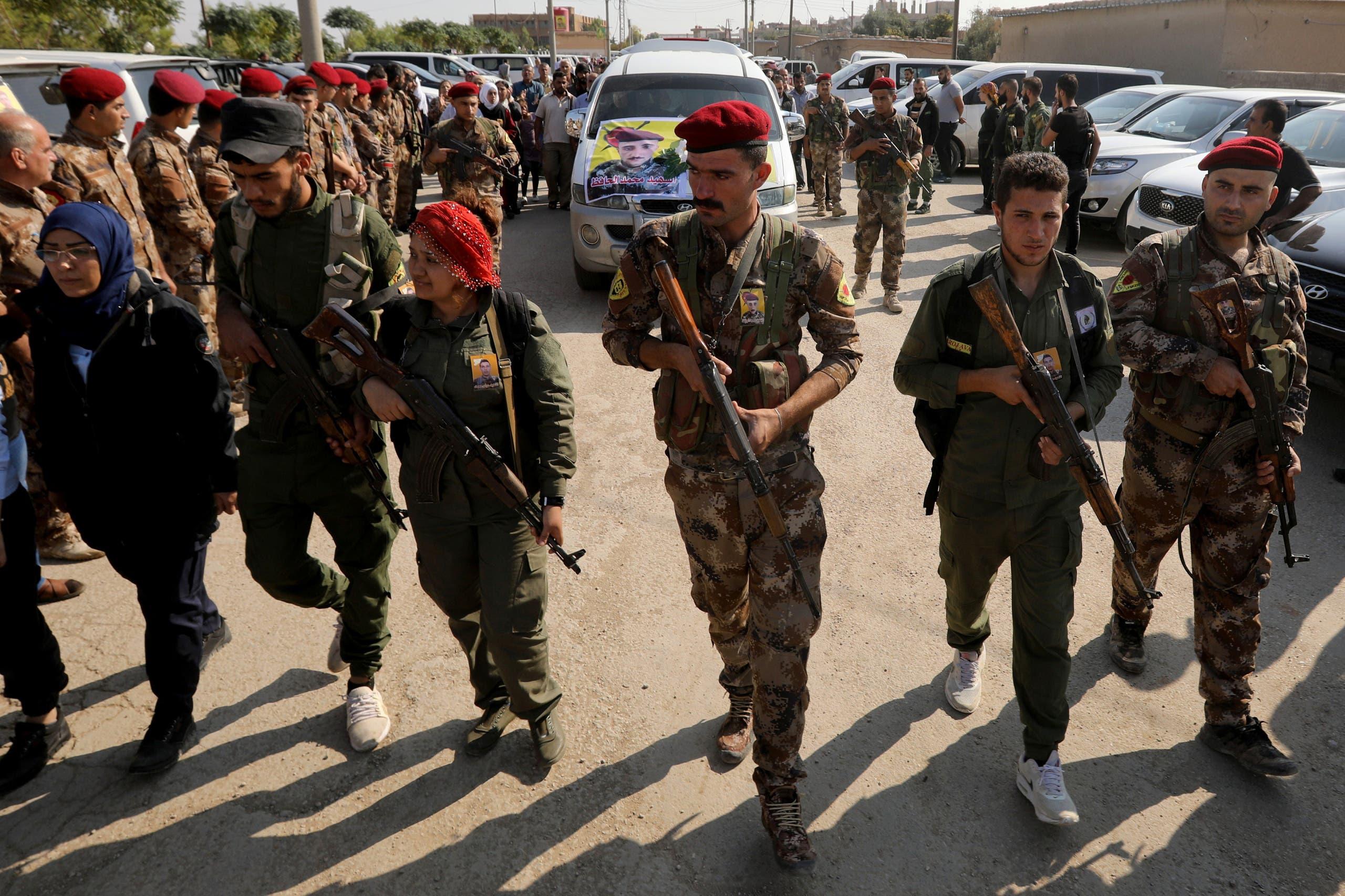 عناصر من القوات الكردية في  القامشلي (أرشيفية- رويترز)