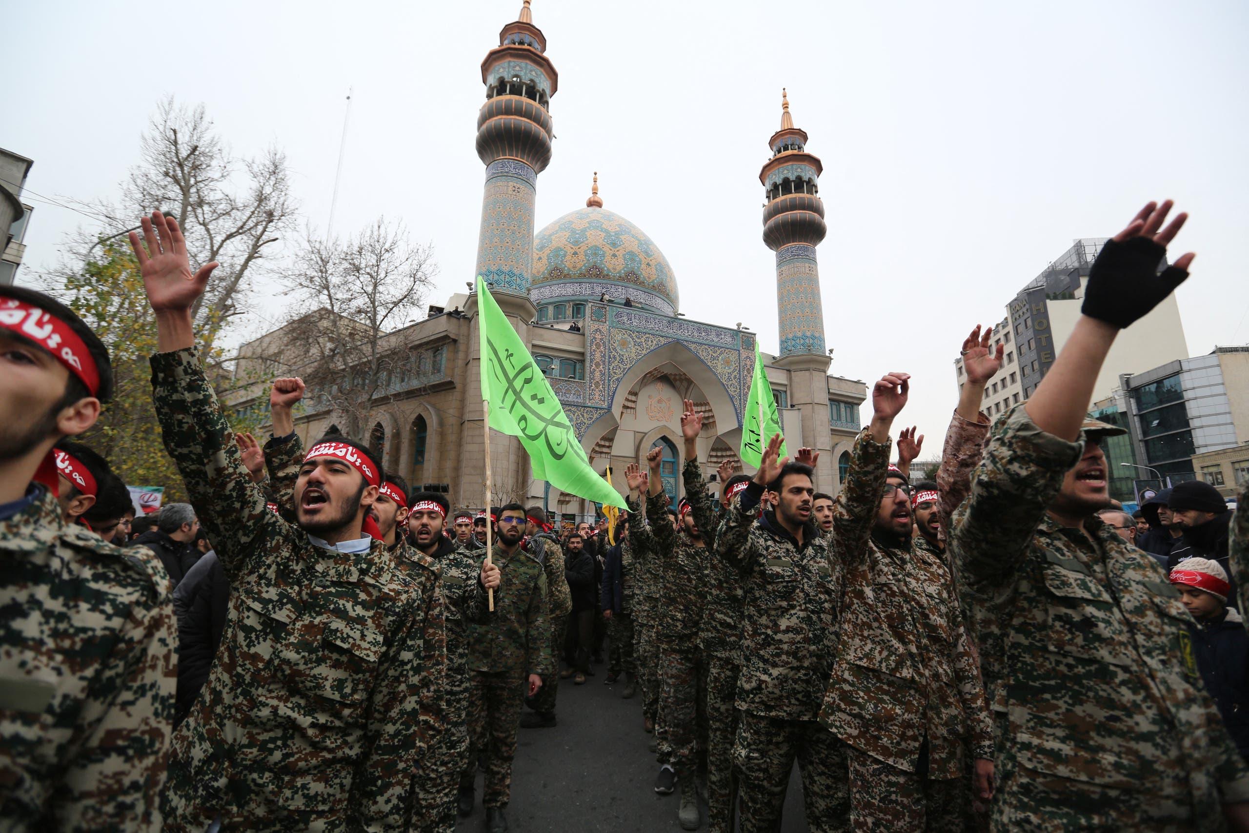 عناصر من الحرس الثوري الإيراني (أرشيفية)