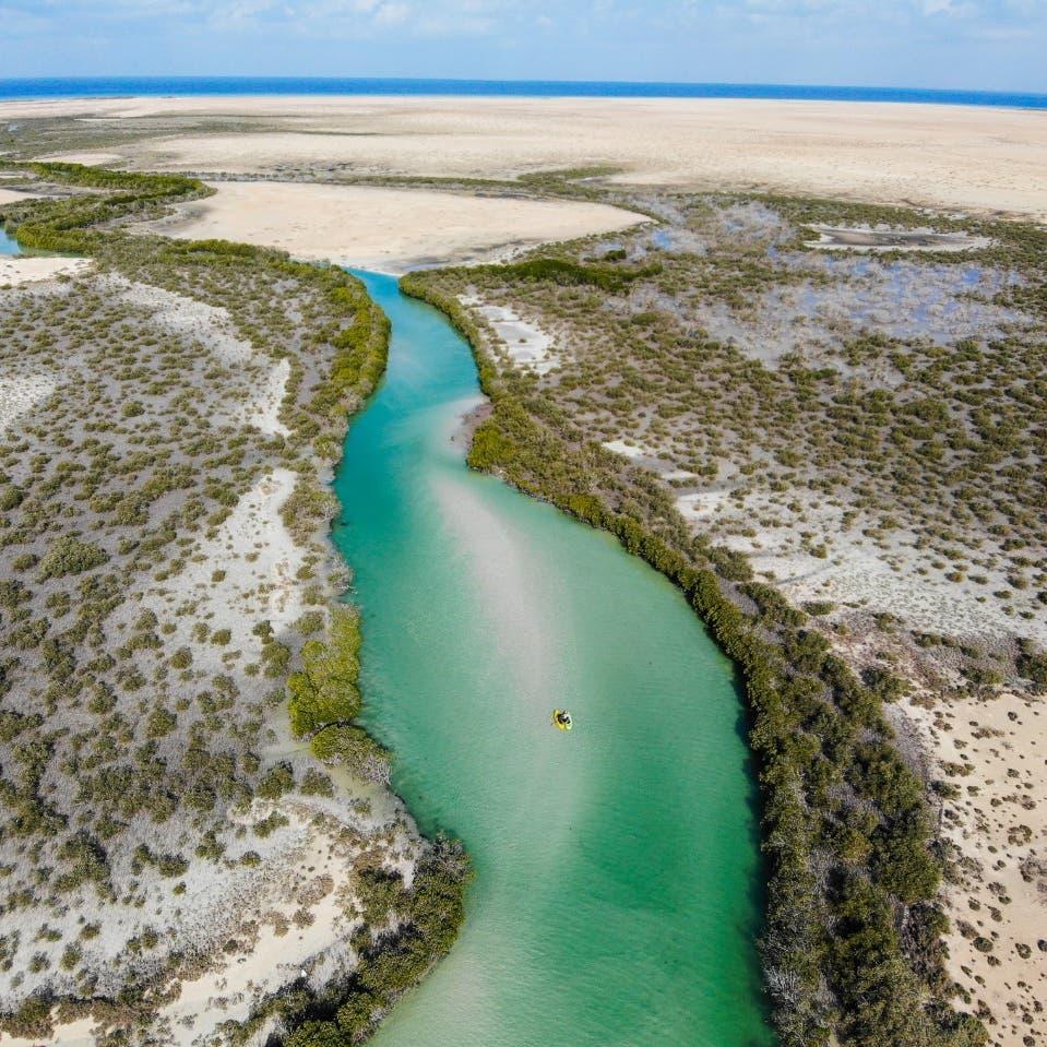 البحر الأحمر للتطوير تدشن مشروع المياه المستخلصة من أشعة الشمس والهواء
