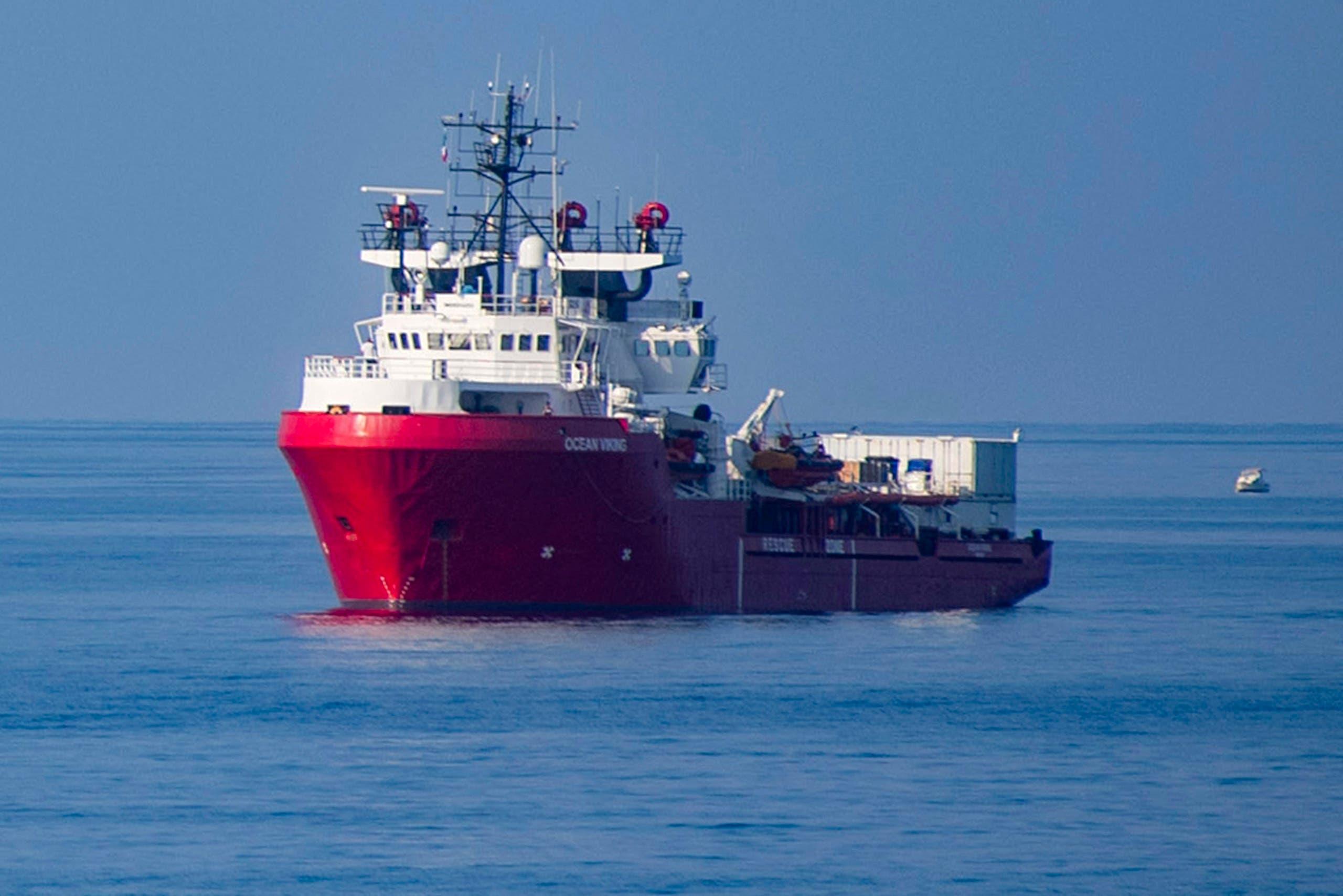سفينة إنقاذ مهاجرين في المتوسط