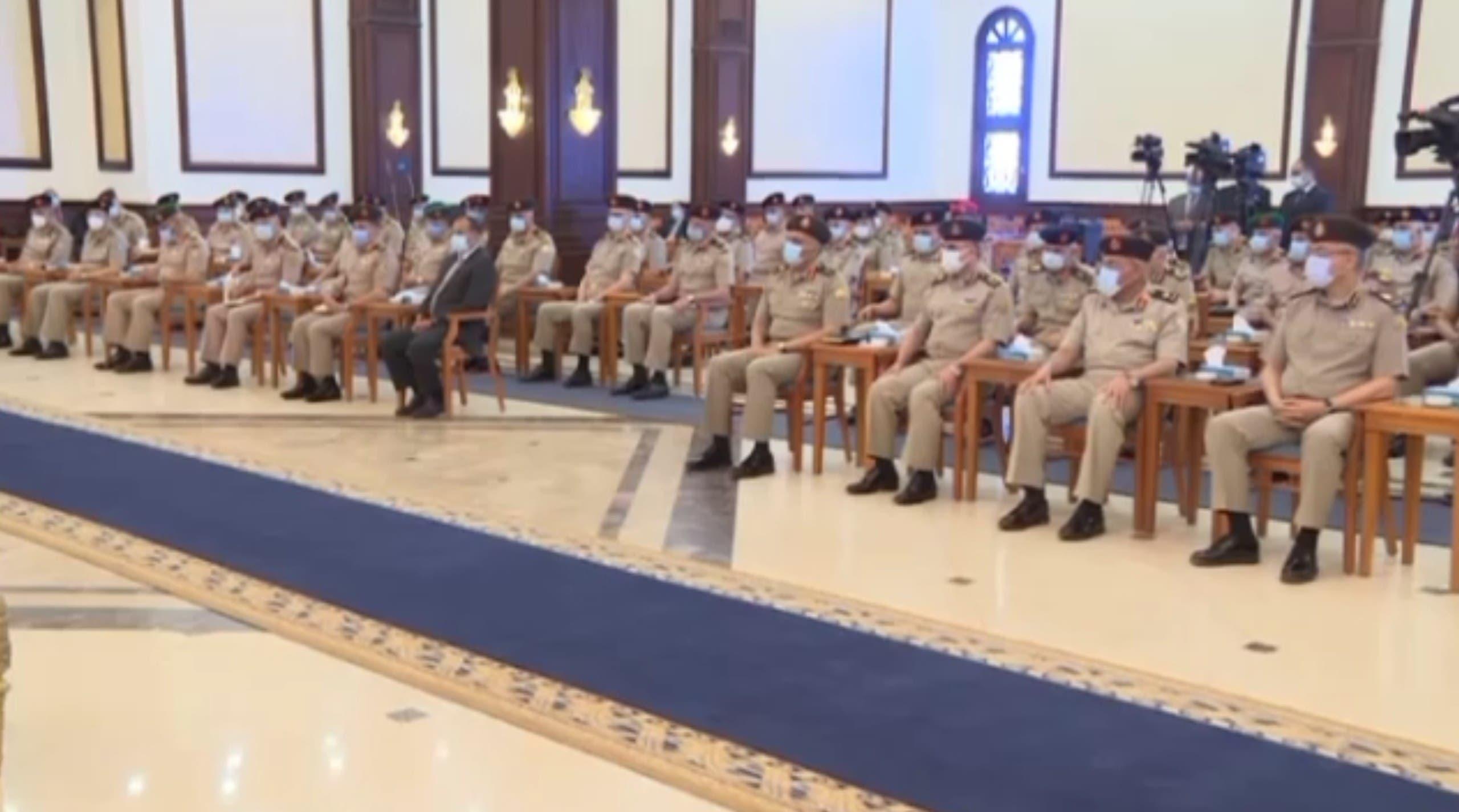 من لقاء السيسي بقادة الجيش