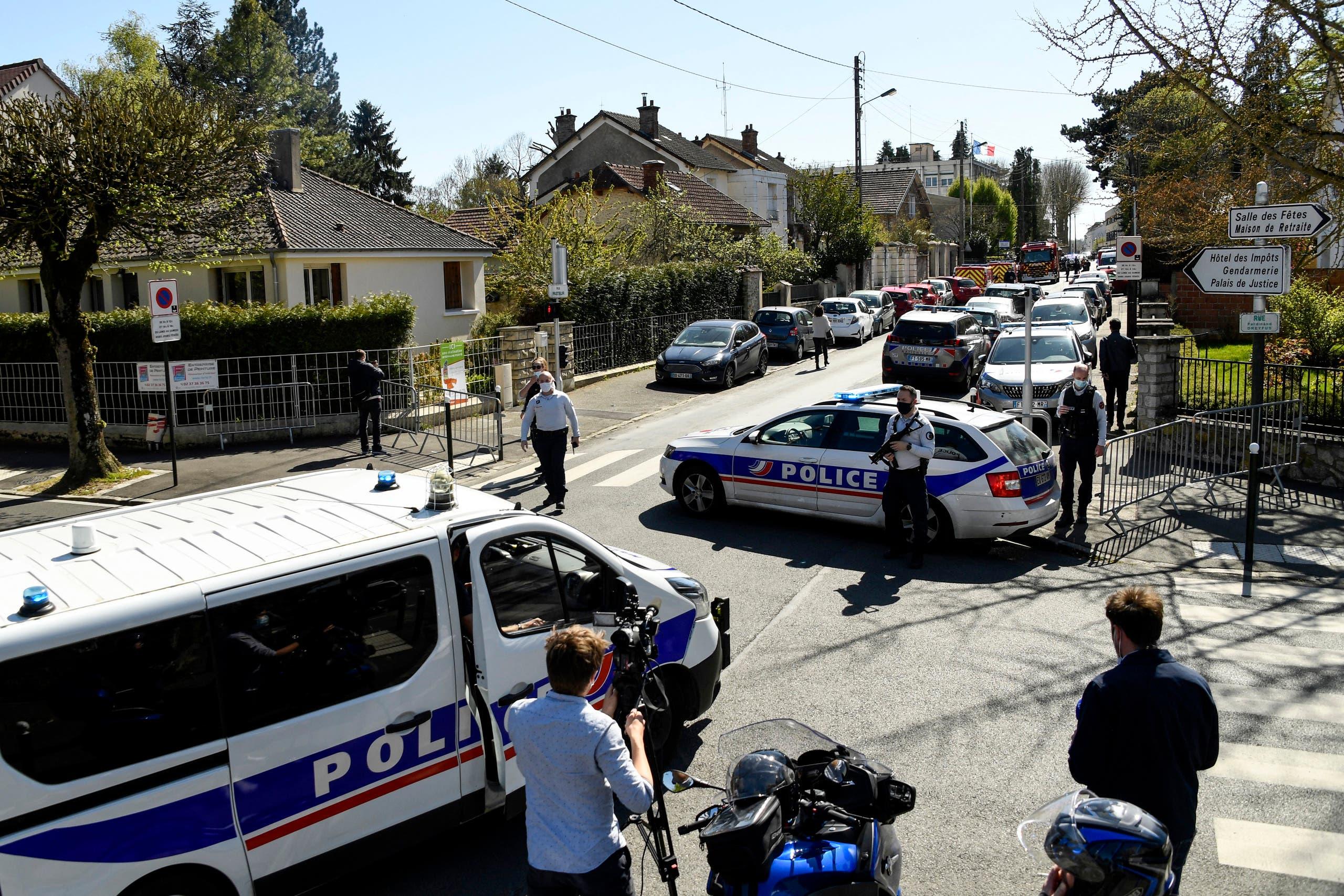 الشرطة تطوق مكان الحادث