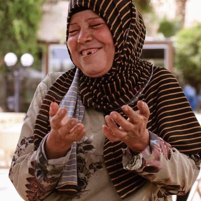"""المصرية صاحبة فيديو """"الحلال"""" الذي شاهده الملايين تتحدث للعربية.نت"""