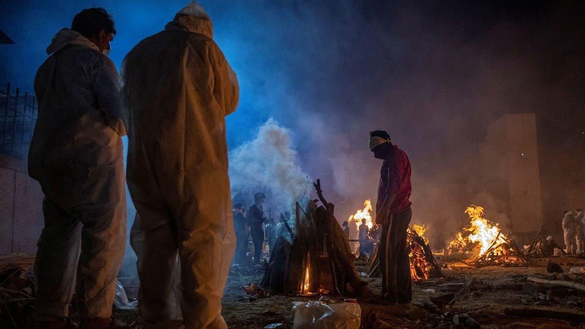 الهند.. 200 ألف وفاة بكورونا وطوابير حرق الموتى في تزايد