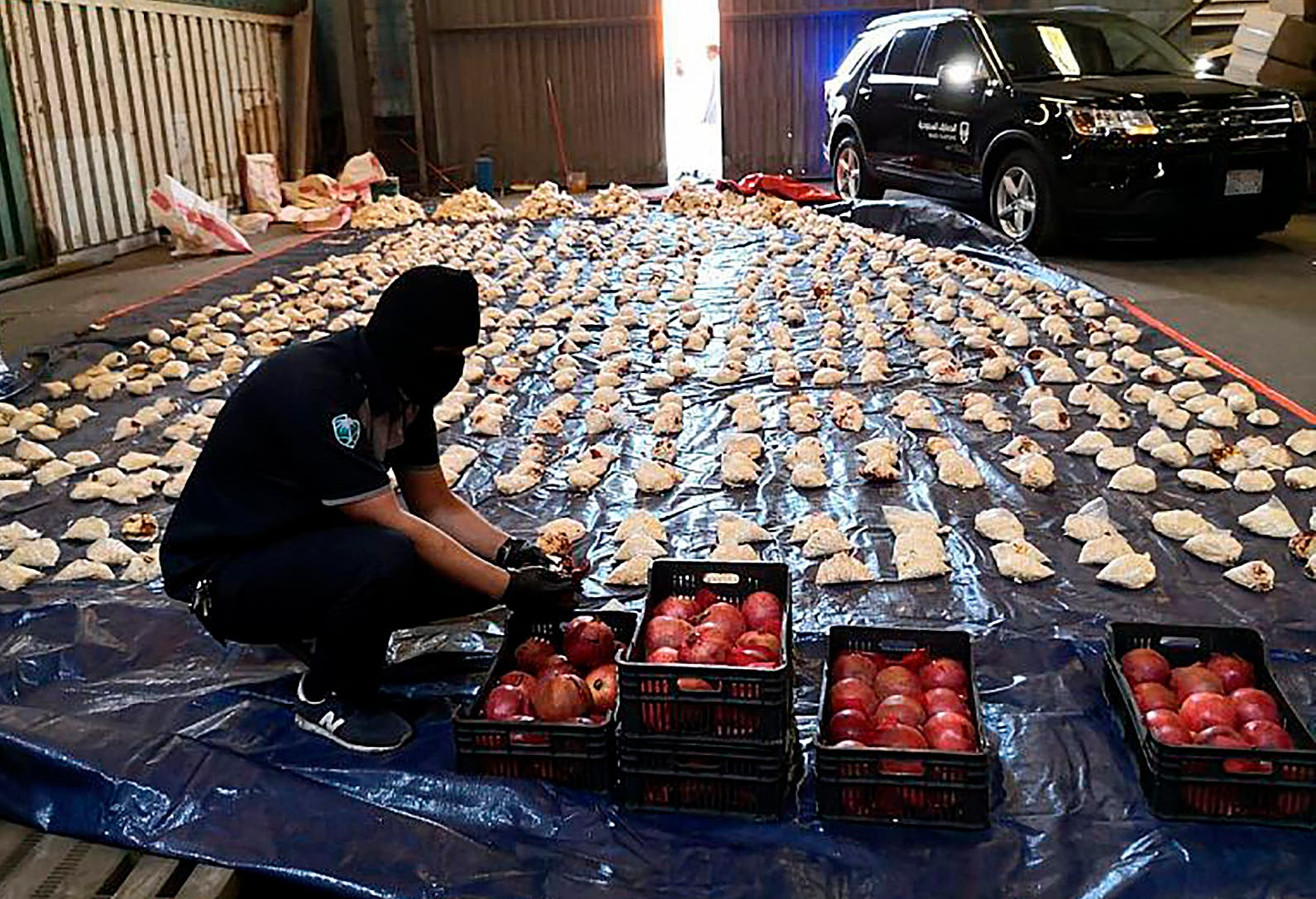 ضبط مخدرات في السعودية بشحنة من فواكه الرمان آتية من لبنان