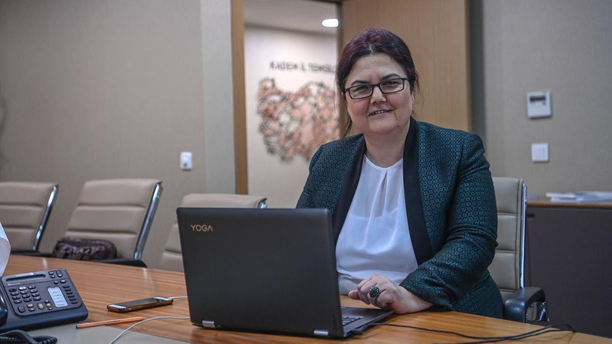 عُينت قبل ساعات.. وزيرة تركية بمرمى الانتقادات بسبب طفل