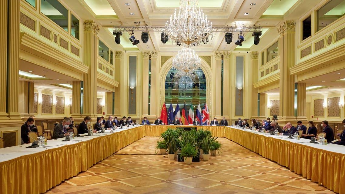 المشاركون في محادثات فيينا في صورة بتاريخ 17 أبريل
