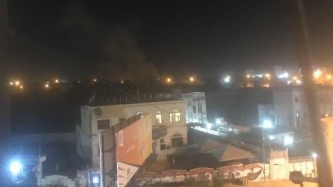 صورة لسقوط الصاروخ وسط حي الروضة في مأرب