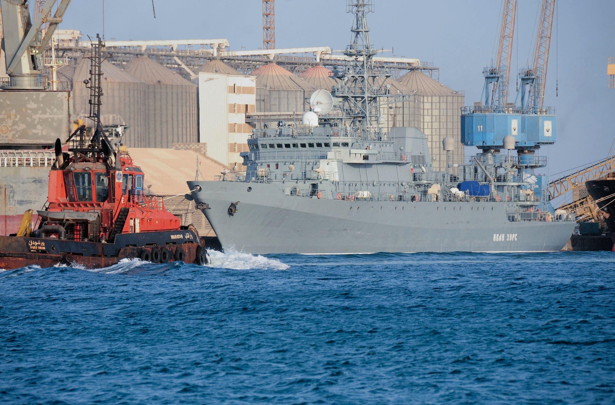 سفينة حربية روسية في ميناء بورتسودان في ابريل الحالي