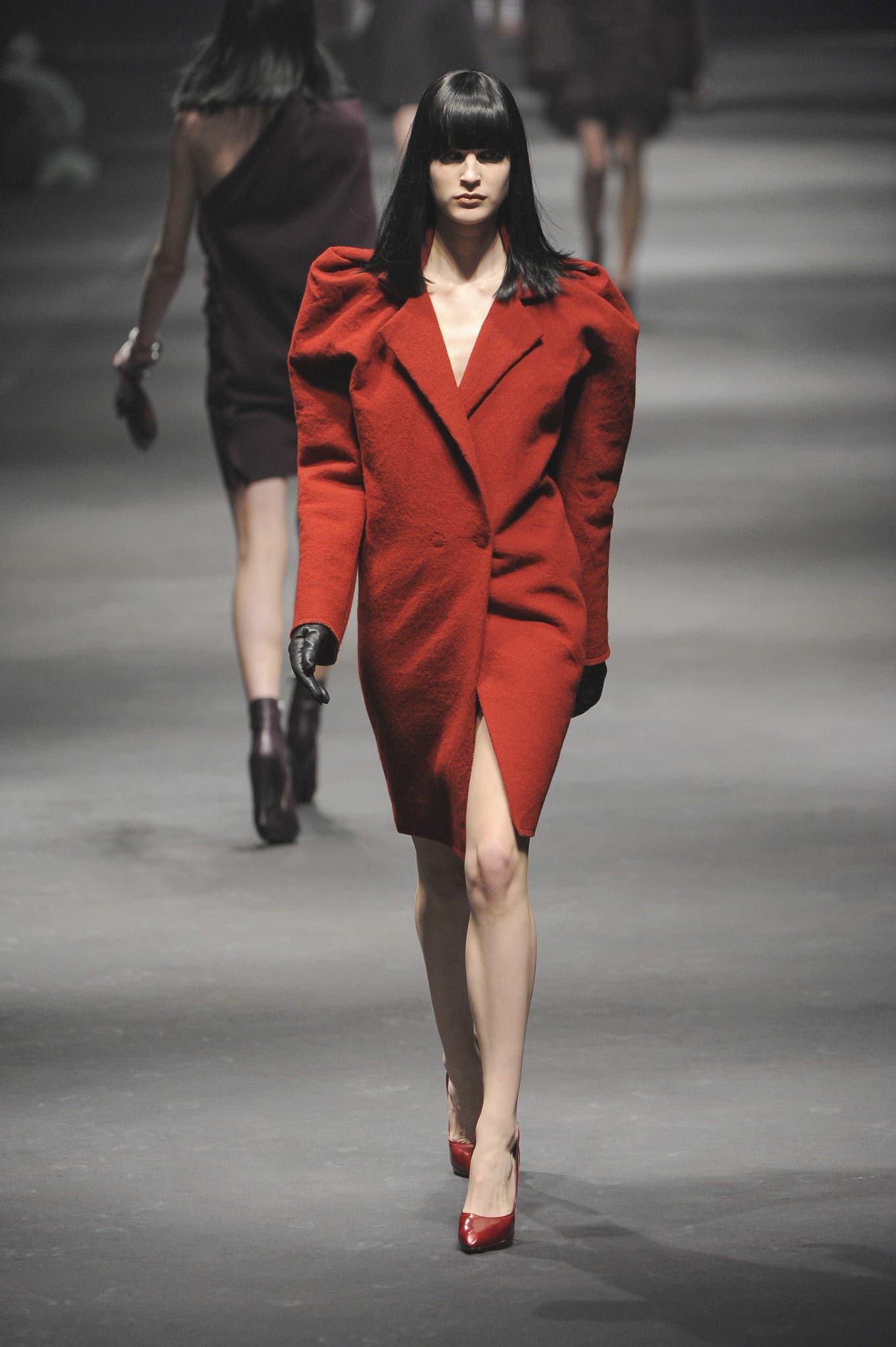 المعطف الأحمر من لانفان لخريف2011