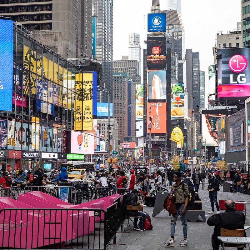 New York City mayor launches $100 COVID-19 vaccine referral bonus program