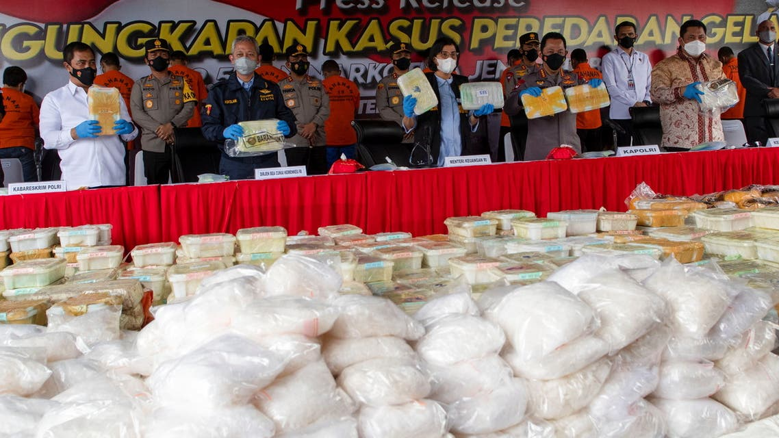 Indonesian police show drug evidence during media conference in Jakarta. (Reuters)