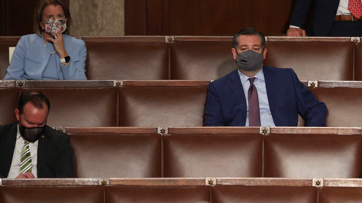 تحدث الرئيس ونام السيناتور.. فيديو بالكونغرس يقلب تويتر