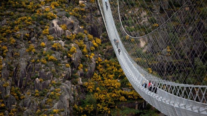 البرتغال تدشن أطول جسر معلّق للمشاة في العالم