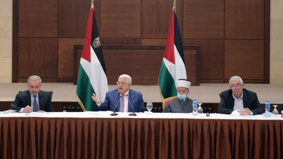 A handout picture provided by the Palestinian Authority's press office (PPO) on April 29, 2021 shows Palestinian president Mahmud Abbas (C) chairing a meeting of the central committee of the Fatah movement in the West Bank city of Ramallah. (AFP)