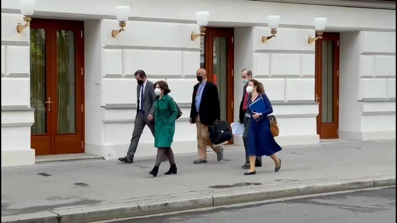 انريكي مورا ينتقل للقاء الفود الأميركي
