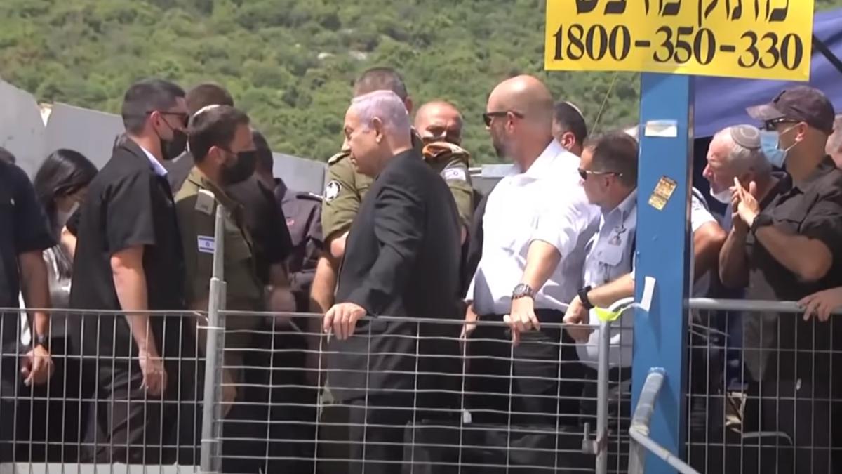 بعد التدافع الدموي.. فيديو لاستقبال نتنياهو بالشتائم