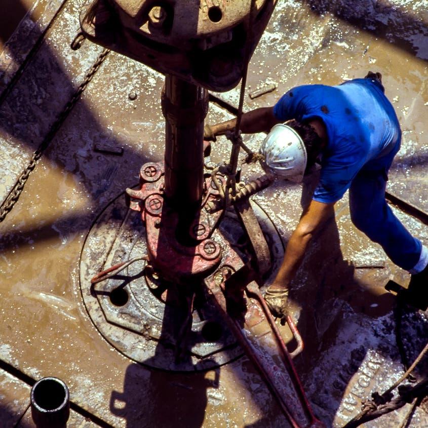 شركات النفط الأميركية تزيد عدد الحفارات للأسبوع الرابع على التوالي