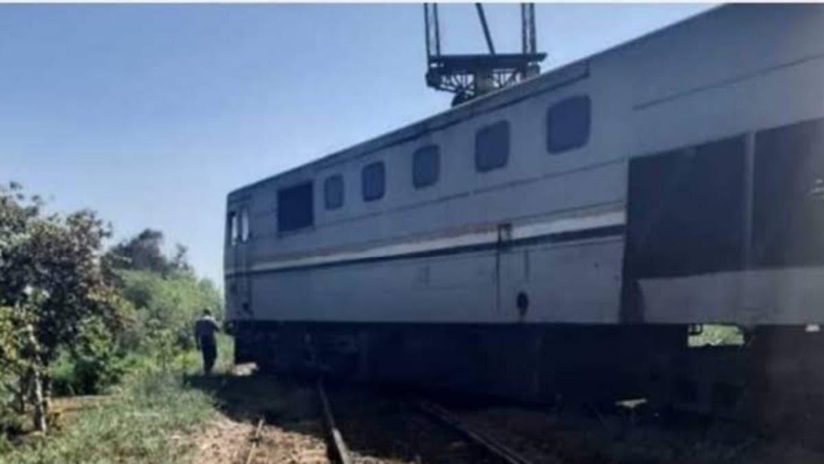 فيديو.. خروج قطار عن القضبان في مصر