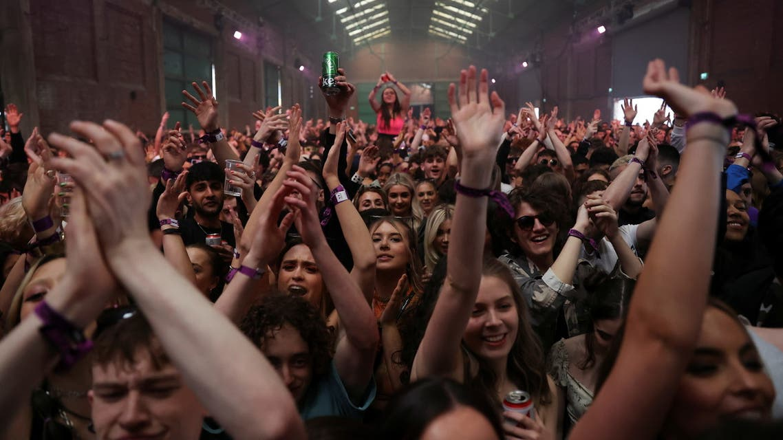 People enjoy their time at a nightclub, as part of a national research programme assessing the risk of the coronavirus disease (COVID-19) transmission, in Liverpool, Britain April 30, 2021. (Reuters)