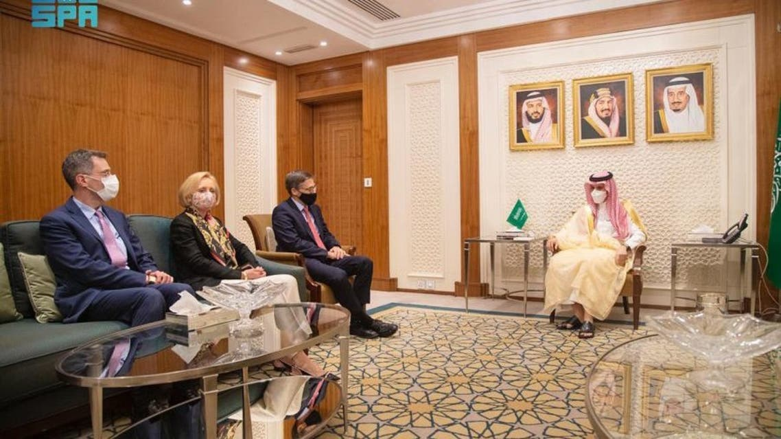 Saudi Foreign Minister meets with US State Department senior advisor Derek Chollet. (SPA)