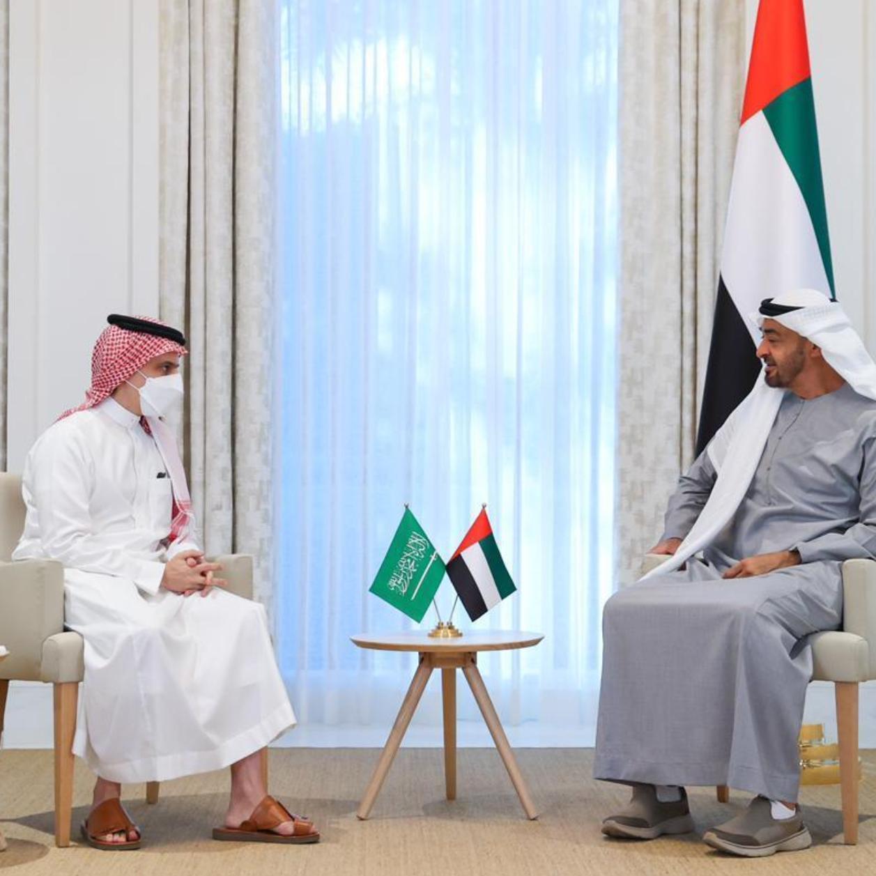ولي عهد أبوظبي يبحث مع وزير خارجية السعودية التعاون المشترك