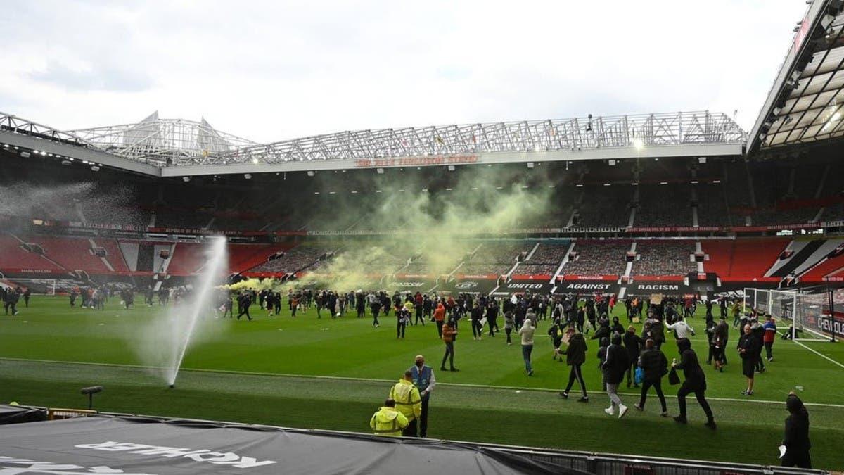 مانشستر يونايتد يتعهد بمعاقبة مقتحمي أولد ترافورد