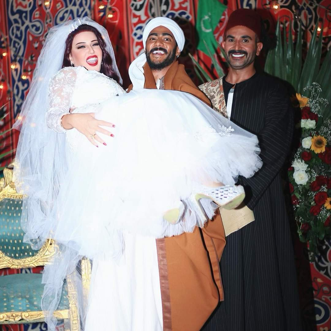 محمد رمضان يتوسط أحمد سعد وسمية الخشاب