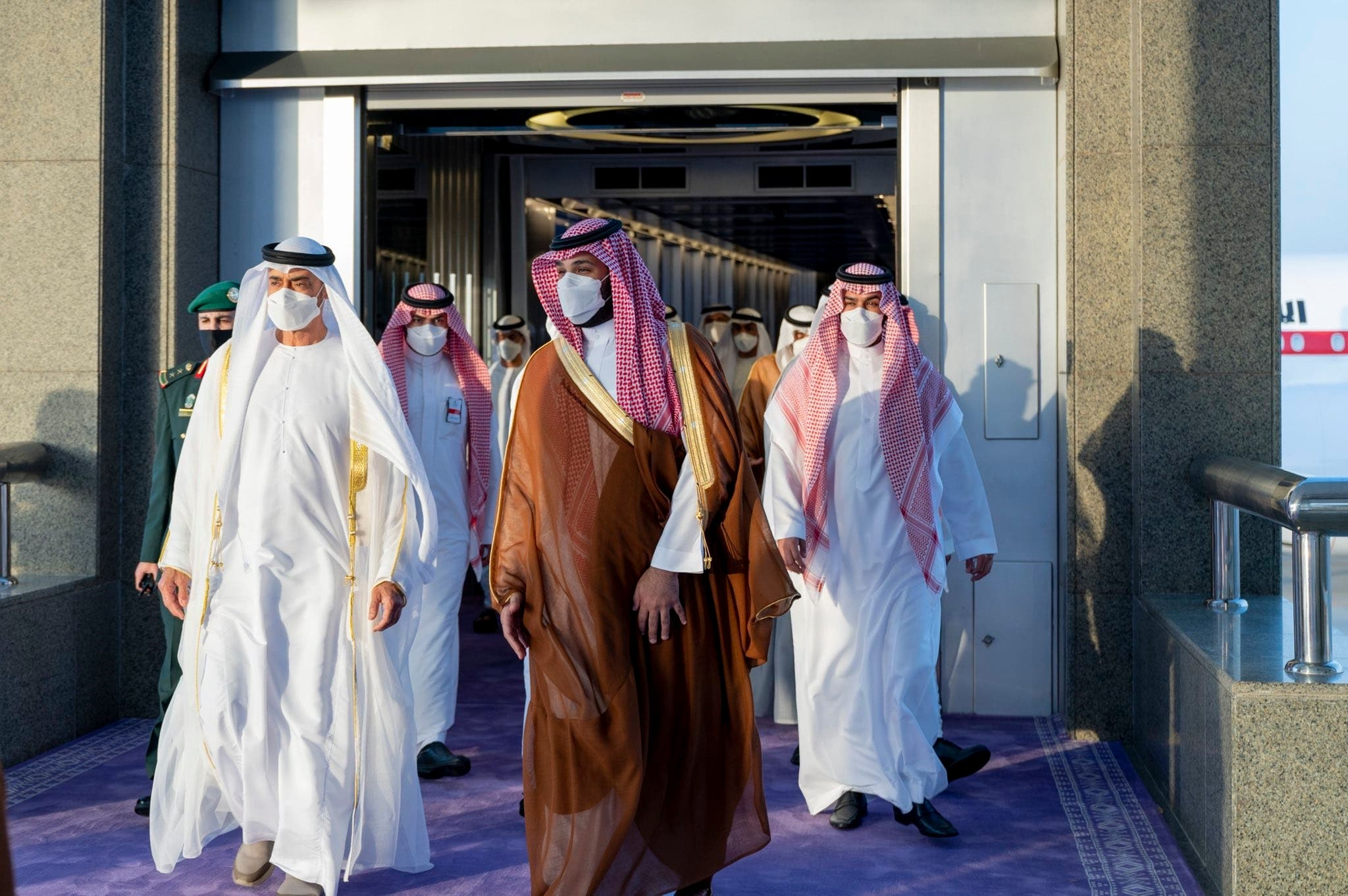 تصاویر استقبال محمد بن سلمان از ولیعهد ابوظبی