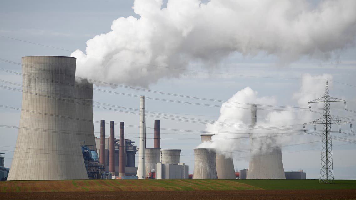 Steam rises from the five brown coal-fired power units of RWE, one of Europe's biggest electricity companies in Neurath, north-west of Cologne, Germany March 12, 2019. (File Photo: Reuters)