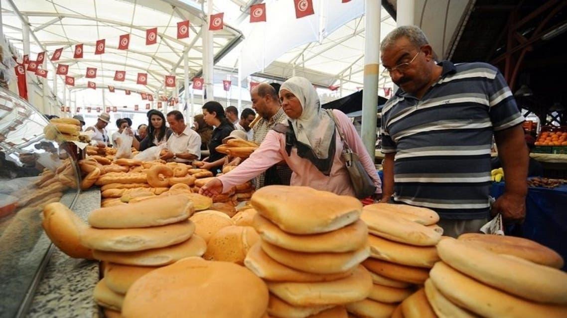 تونس تخطط لخفض الدعم عن المواد الأساسية