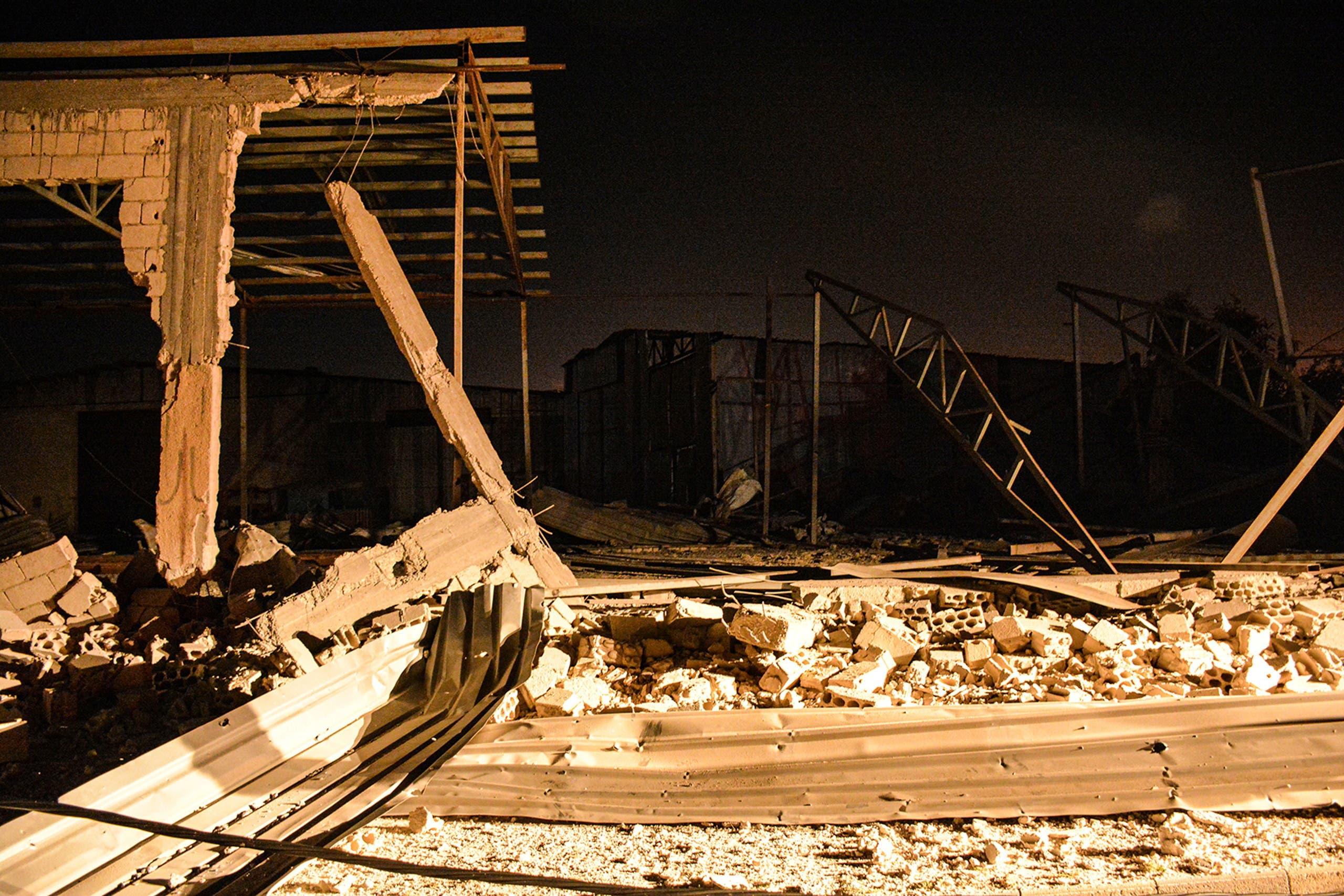 آثار الغارة الإسرائيلية في اللاذقية