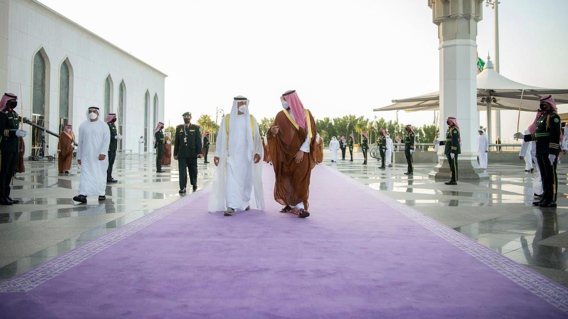 UAE's Sheikh Mohamed bin Zayed Al Nahyan meets Saudi Arabia's Crown Prince Mohammed bin Salman. (SPA)