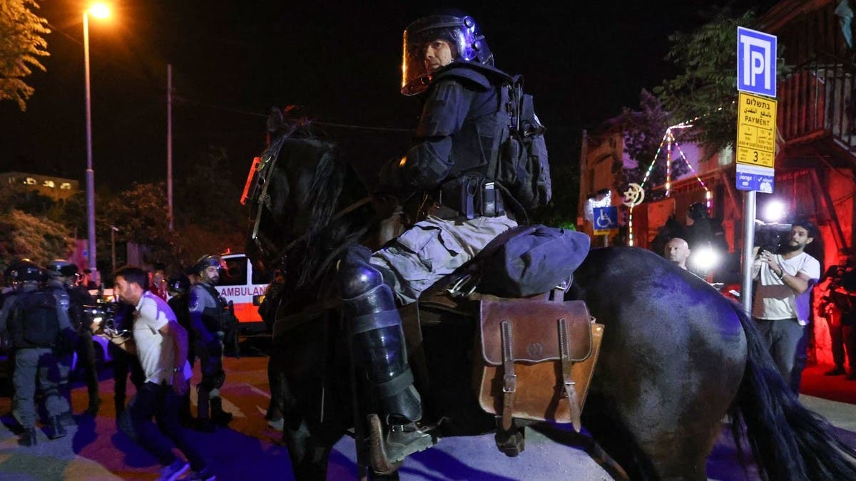 جرحى باشتباكات بين فلسطينيين وجنود إسرائيليين بالقدس