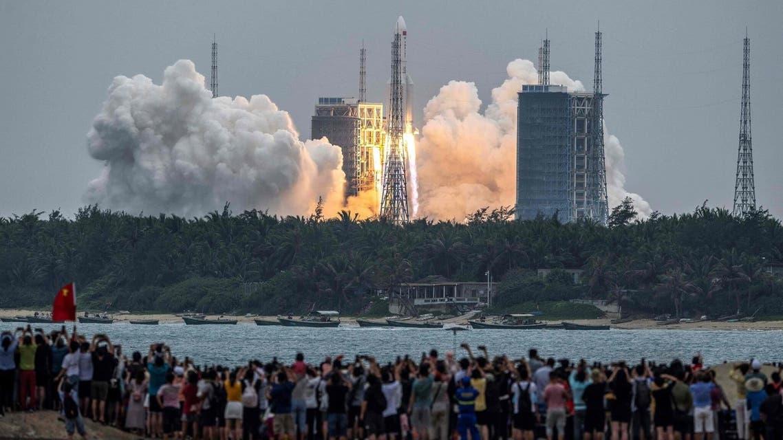 من عملية إطلاق الصاروخ الصيني الشارد