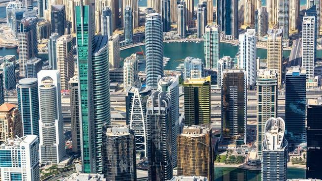 دبي تتحول إلى ملاذ للأثرياء.. طلب كبير على العقارات الفاخرة