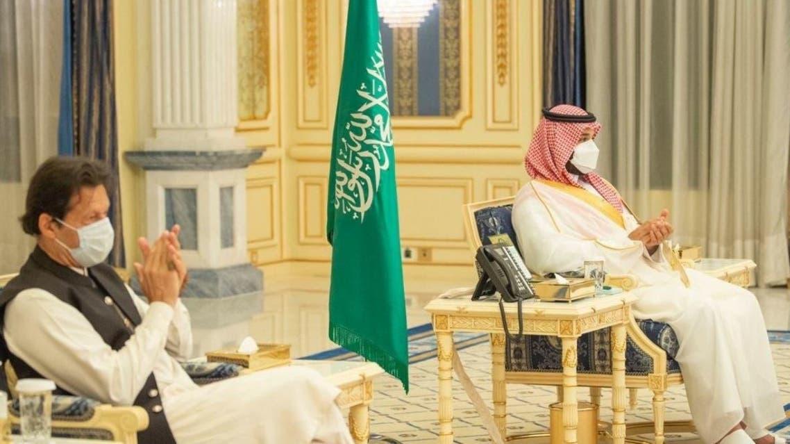 Pakistani Prime Minister Imran Khan meets with Saudi Crown Prince Mohammed bin Salman in Jeddah. (SPA)