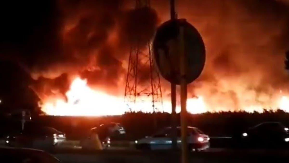 إيران.. حريق واسع تم احتواؤه عند مدخل مدينة بوشهر