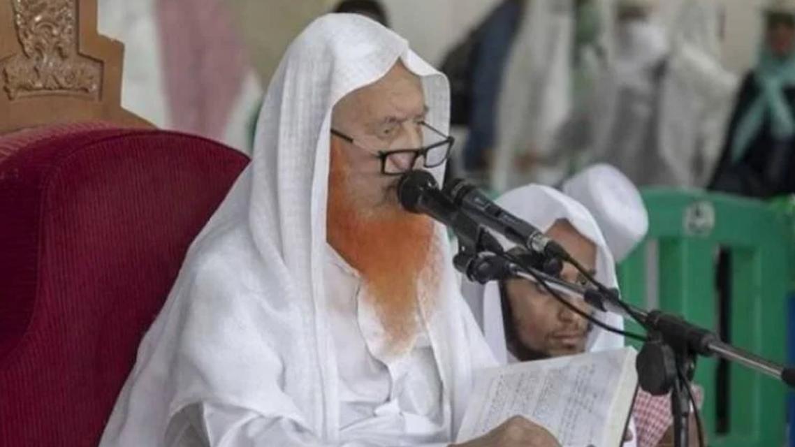 كبير المؤذنين بالحرم المكى الشيخ عبدالرحمن العجلان