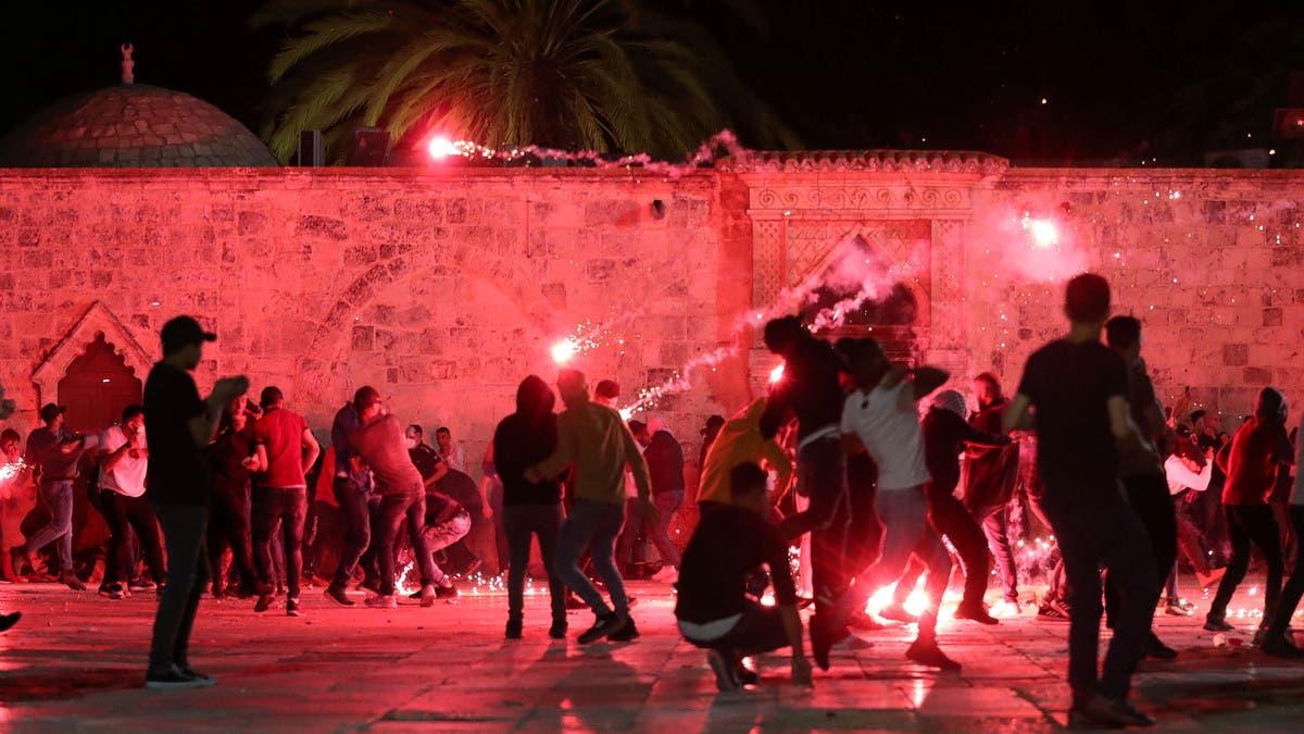 الاشتباكات مستمرة.. 150 صاروخا من غزة مقابل غارات مكثفة