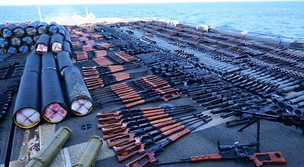 ضبط محمولههای غیرقانونی اسلحه توسط ناوگان آمریکا در دریای عرب