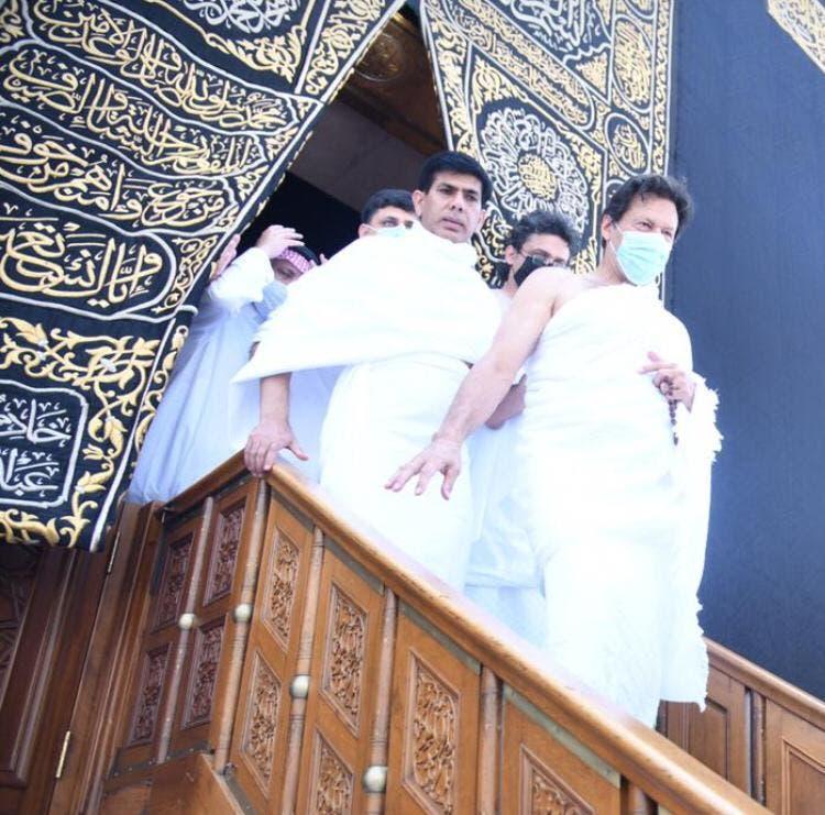 وزیر اعظم اور ان کے وفد نے بیت اللہ کے اندر نوافل ادا کیے