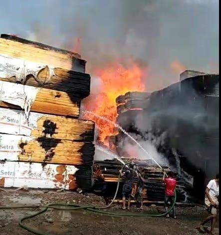 حريق مخزن لحج اليمنية