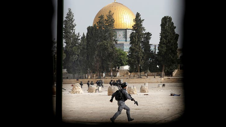 Hundreds injured in new al-Aqsa clashes between Israeli forces, Palestinians