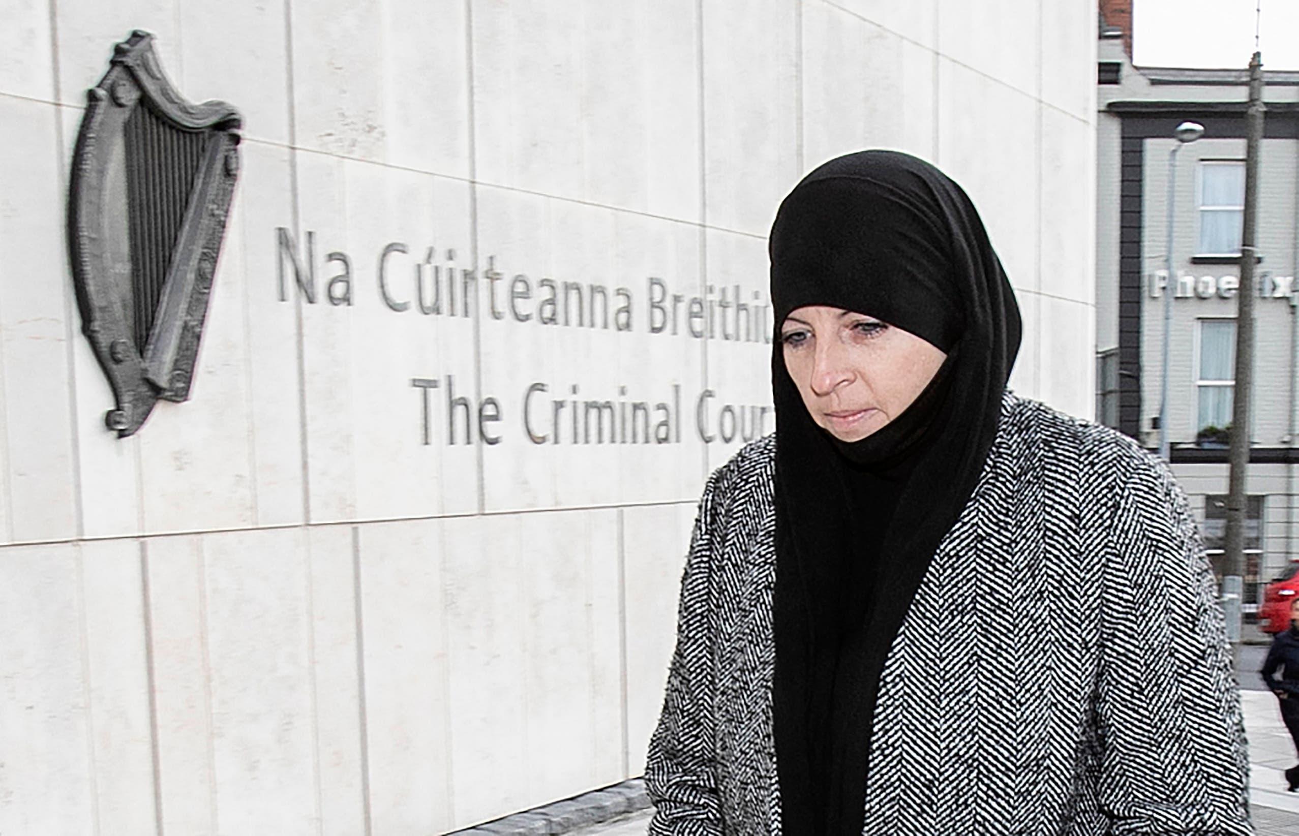 ليزا سميث إلى المحكمة الجنائية المركزية في دبلن يوم 8 يناير 2020 (فرانس برس)